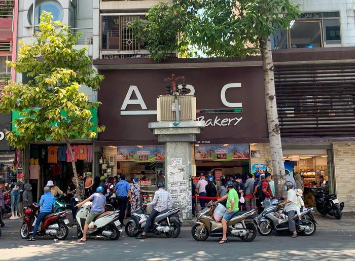 Bánh mì thanh long Việt Nam được báo nước ngoài khen ngợi - Ảnh 3.