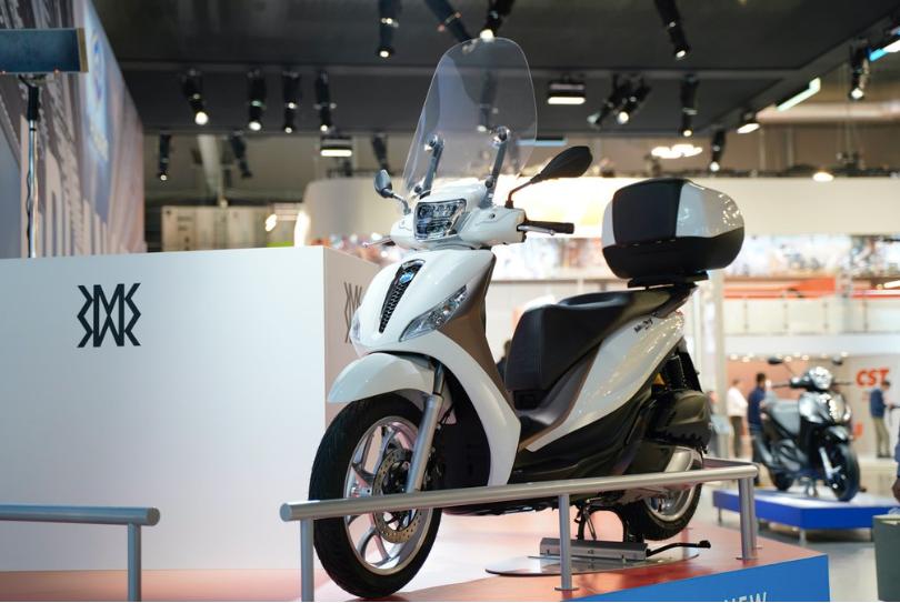 Đối thủ của Honda SH - Piaggio Medley 2020 chính thức ra mắt tại Việt Nam, giá từ 75 triệu đồng - Ảnh 1.