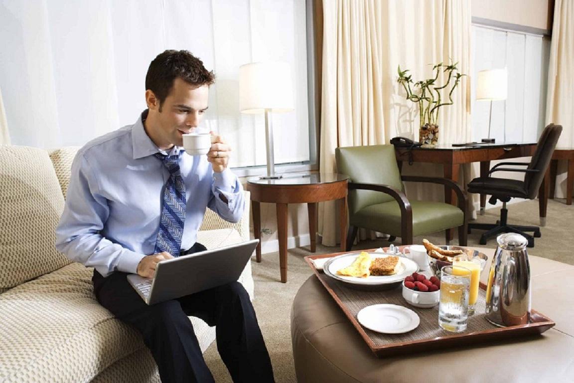 STR báo cáo: Công suất đặt phòng khách sạn của Việt Nam giảm một nửa do virus corona - Ảnh 1.