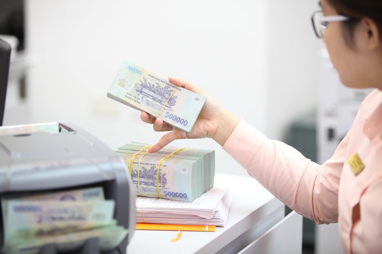 Thủ tướng yêu cầu hỗ trợ tín dụng, thuế vì dịch Covid-19 - Ảnh 1.