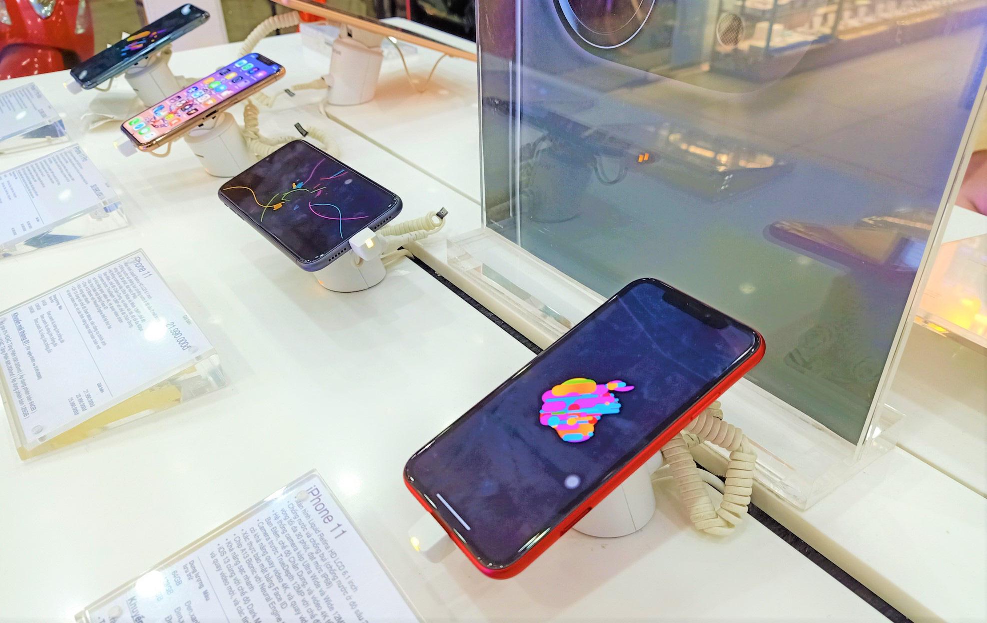 Điện thoại giảm giá tuần này: iPhone xách tay có giá mềm hơn - Ảnh 1.