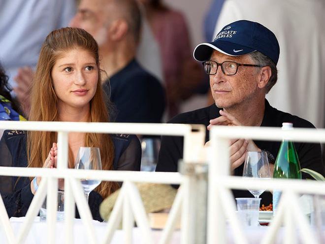 Cuộc sống hào nhoáng của con gái tỉ phú Bill Gates - Ảnh 1.