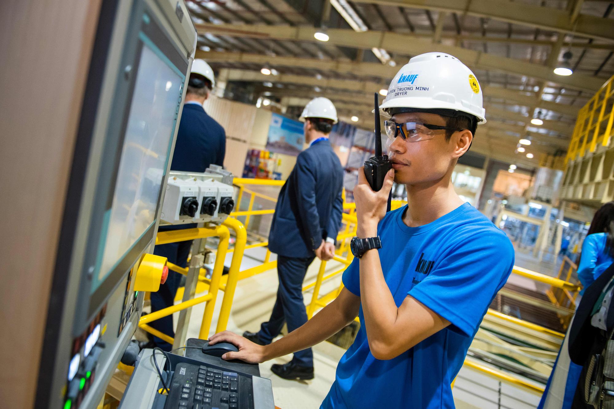 Doanh nghiệp Việt Nam kiểm soát chặt công nhân Trung Quốc trước bối cảnh dịch bệnh lan rộng - Ảnh 1.
