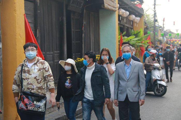 Hướng đi vực dậy ngành du lịch Việt Nam trong cơn bão khủng hoảng vì dịch virus corona - Ảnh 4.