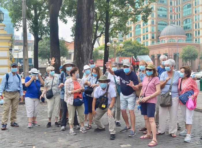 Hướng đi vực dậy ngành du lịch Việt Nam trong cơn bão khủng hoảng vì dịch virus corona - Ảnh 5.