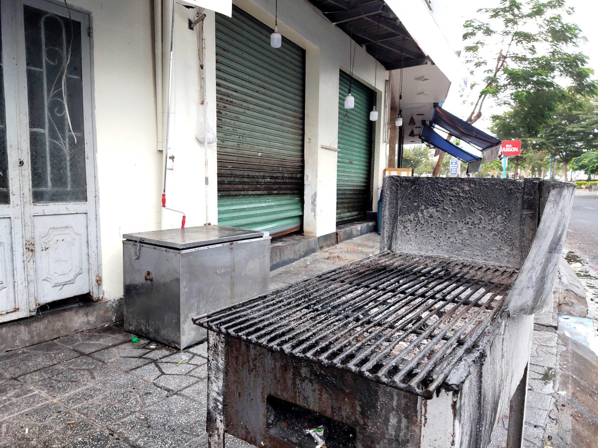 Nha Trang: Phố hải sản đìu hiu, hàng loạt nhà hàng đóng cửa trong đại dịch corona  - Ảnh 5.