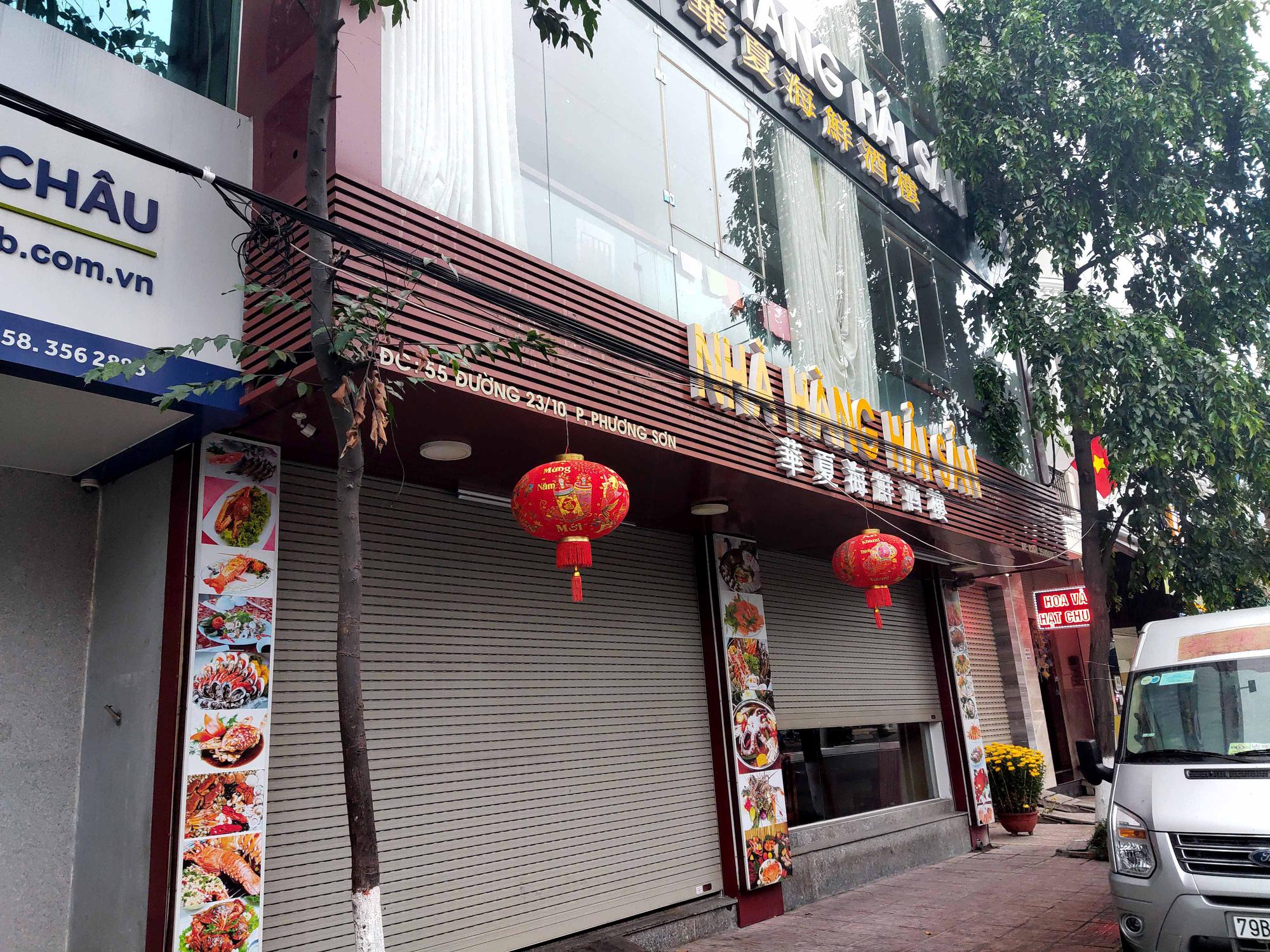 Nha Trang: Phố hải sản đìu hiu, hàng loạt nhà hàng đóng cửa trong đại dịch corona  - Ảnh 11.