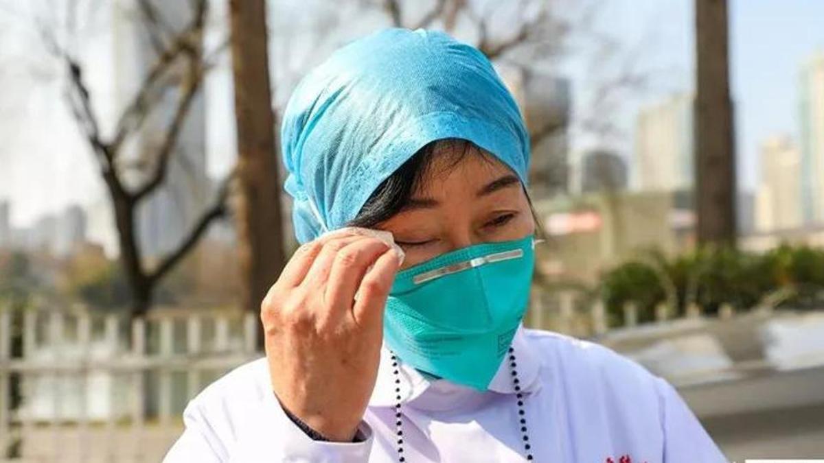 Dân Trung Quốc chôn chân tại nhà vì virus corona, dịch vụ giao hàng thắng đậm - Ảnh 4.