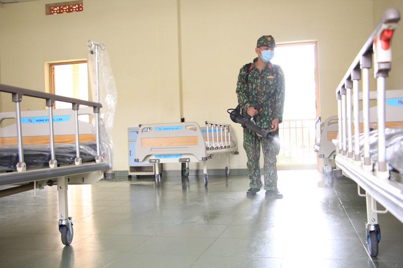 Bên trong bệnh viện dã chiến ứng phó virus Corona tại TP HCM trông thế nào? - Ảnh 4.