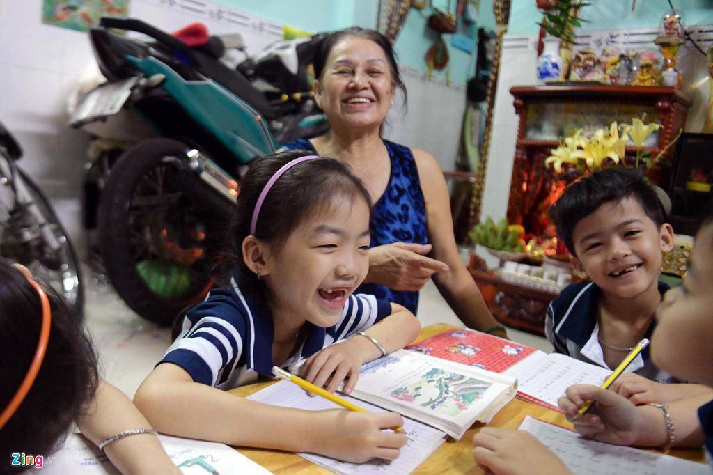 Cha mẹ thành phố nuôi con ra sao với mức giảm trừ 3,6 triệu đồng/tháng - Ảnh 2.