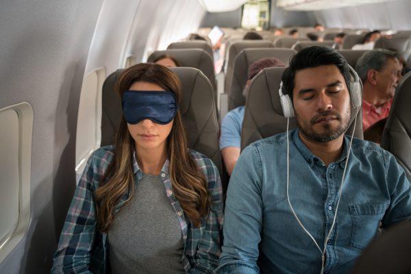 """Làm sao để """"nói khéo"""" người khác đổi ghế ngồi trên máy bay?  - Ảnh 1."""