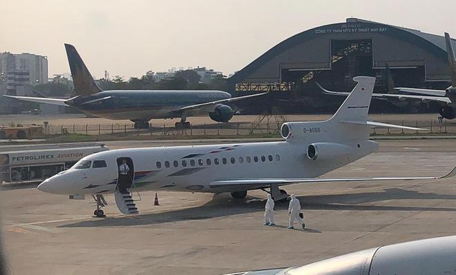 Máy bay đưa bệnh nhân 32 về Việt Nam có giá thuê khoảng 360.000 USD - Ảnh 2.