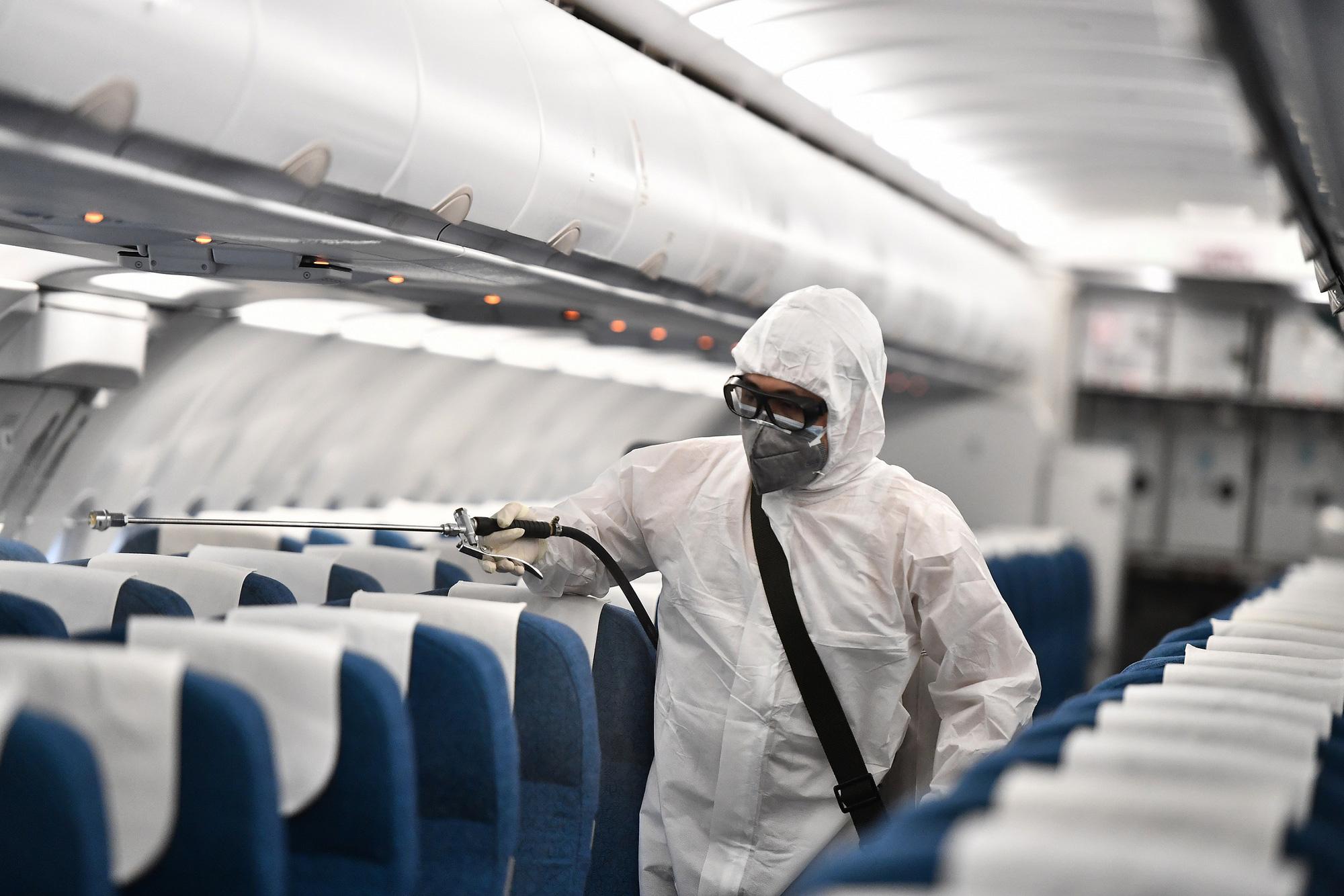 Vietnam Airlines lên tiếng về trường hợp tiếp viên hàng không của hãng nhiễm Covid-19? - Ảnh 1.