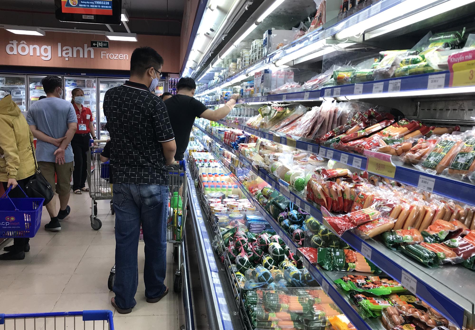 Bộ Công Thương khẳng định hàng hóa, thực phẩm đủ cho người dân ngay cả lúc dịch bệnh - Ảnh 1.