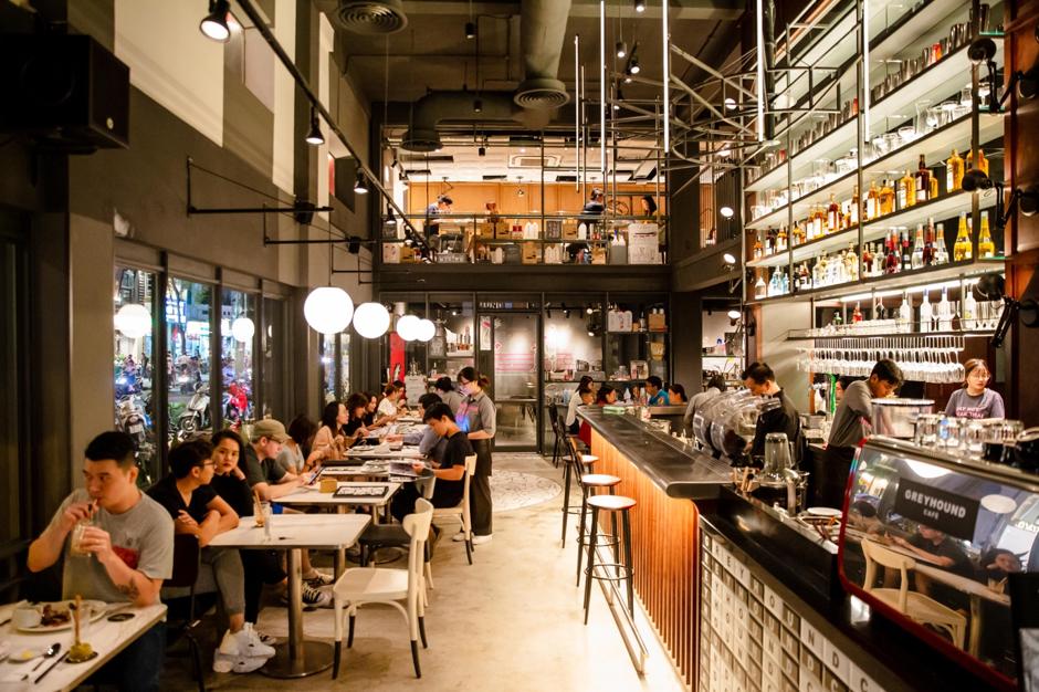 Nhà đồng sáng lập Greyhound Café chia sẻ chuyện kinh doanh tại thị trường Việt Nam - Ảnh 2.