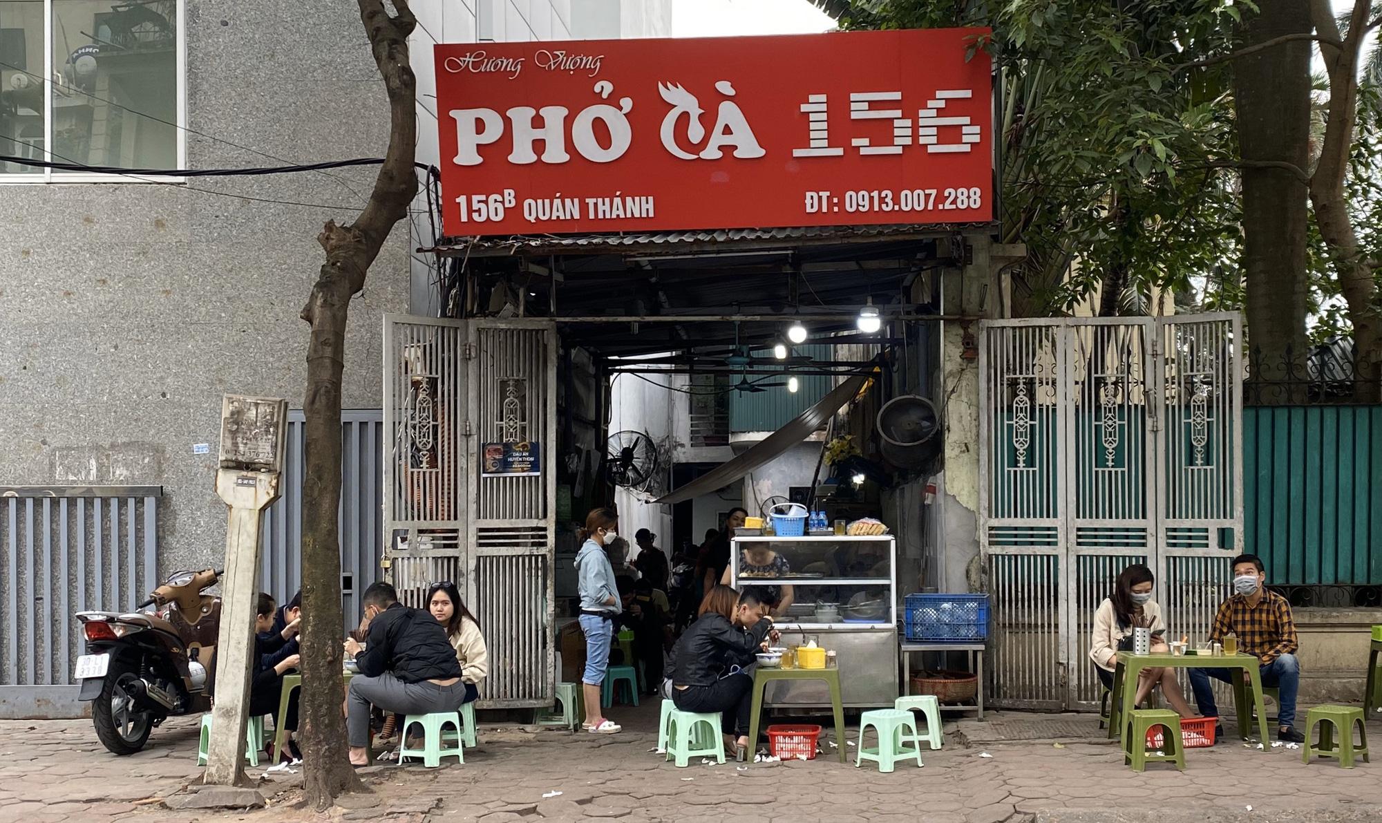 Cảnh tượng ế ẩm tại các nhà hàng, quán ăn xung quanh phố Trúc Bạch - Ảnh 13.