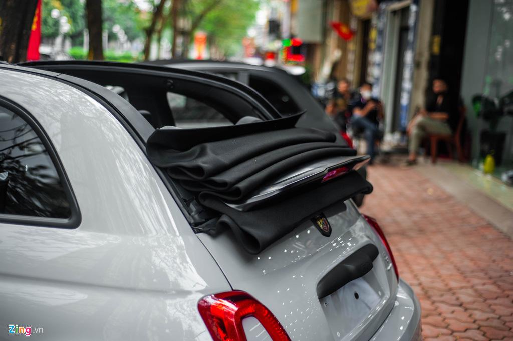 Ô tô siêu nhỏ có giá gần 3 tỉ đồng tại Việt Nam, đắt ngang Porsche Macan - Ảnh 8.