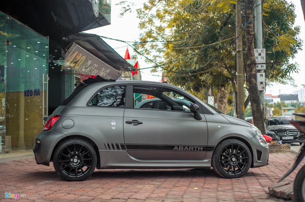 Ô tô siêu nhỏ có giá gần 3 tỉ đồng tại Việt Nam, đắt ngang Porsche Macan - Ảnh 2.