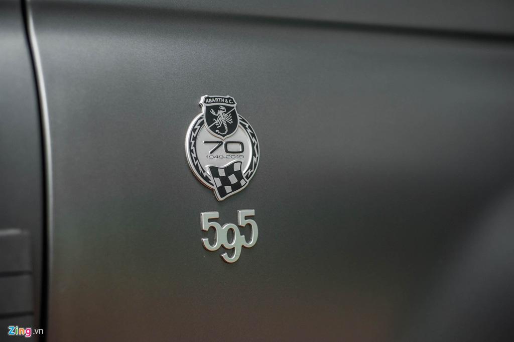 Ô tô siêu nhỏ có giá gần 3 tỉ đồng tại Việt Nam, đắt ngang Porsche Macan - Ảnh 3.
