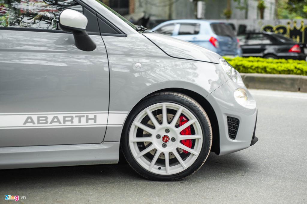 Ô tô siêu nhỏ có giá gần 3 tỉ đồng tại Việt Nam, đắt ngang Porsche Macan - Ảnh 7.