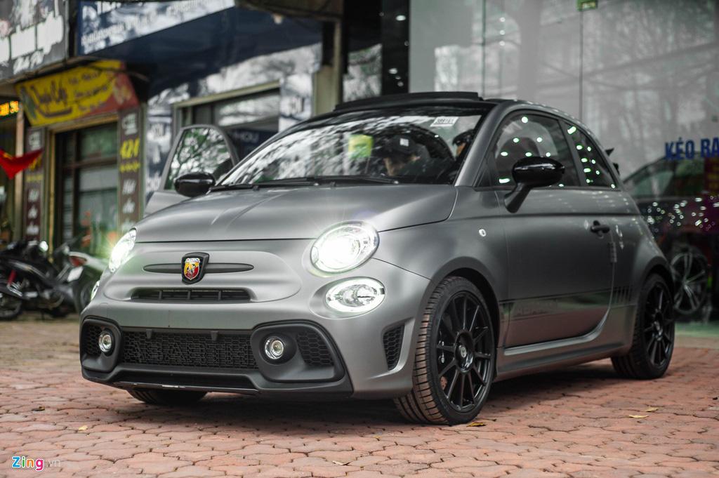 Ô tô siêu nhỏ có giá gần 3 tỉ đồng tại Việt Nam, đắt ngang Porsche Macan - Ảnh 1.