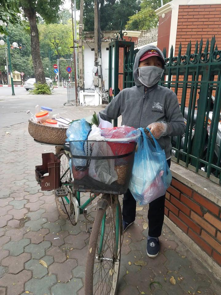 Hàng quán tại Hà Nội trở nên vắng vẻ - Ảnh 5.