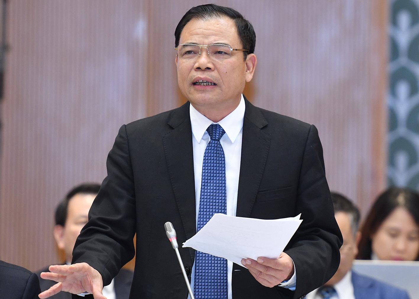 Heo hơi 75.000 đồng/kg đã lãi cao, Bộ trưởng Nguyễn Xuân Cường yêu cầu dứt khoát 17 tập đoàn phải giảm giá - Ảnh 1.