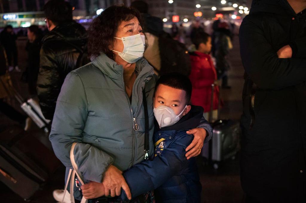 Người già, người khuyết tật Trung Quốc khốn khổ vì không biết mua hàng online - Ảnh 3.