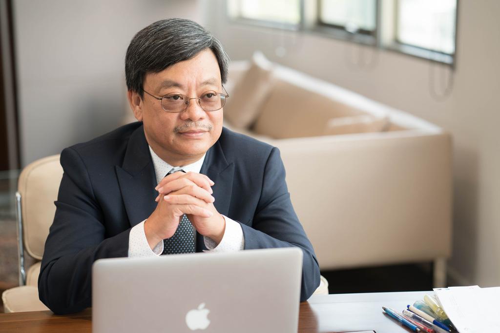Ông Nguyễn Đăng Quang: Covid-19 đang là nỗi lo rất lớn nhưng nếu chỉ biết sợ thì không thể thắng dịch - Ảnh 1.