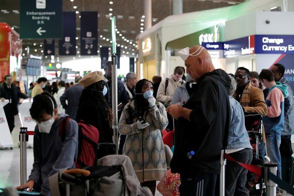 Người Mỹ ở châu Âu: 'Tôi trả 5.000 USD cho chuyến bay trở về nhà' - Ảnh 3.