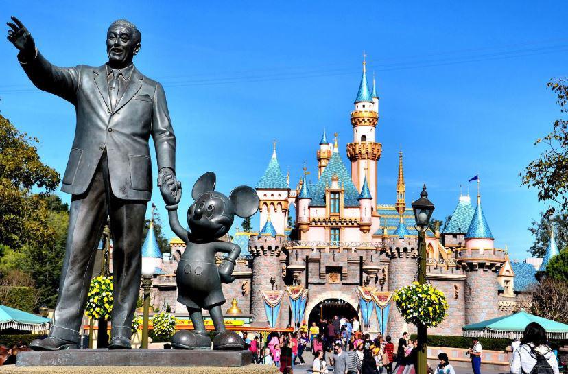 Disney đóng cửa hàng loạt công viên chủ đề vì dịch virus corona - Ảnh 1.
