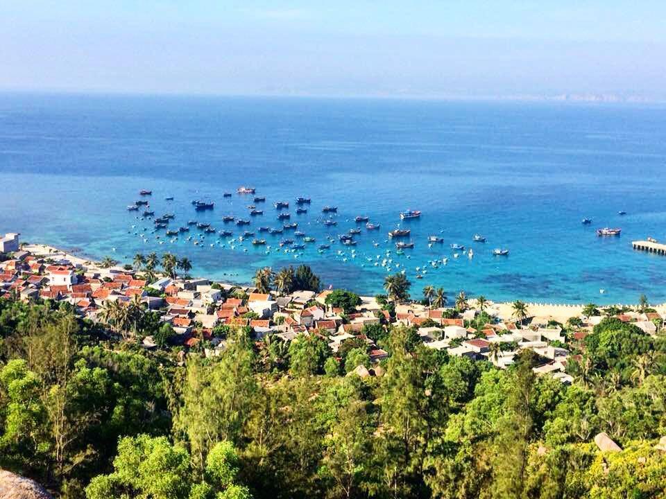 Bình Định tạm dừng đón khách du lịch đến đảo Nhơn Châu do dịch virus corona - Ảnh 1.