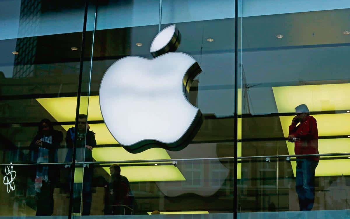 Apple đóng cửa tất cả các cửa hàng ngoài Trung Quốc trong 2 tuần - Ảnh 1.