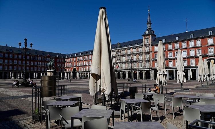 Tây Ban Nha phong tỏa toàn quốc - Ảnh 1.