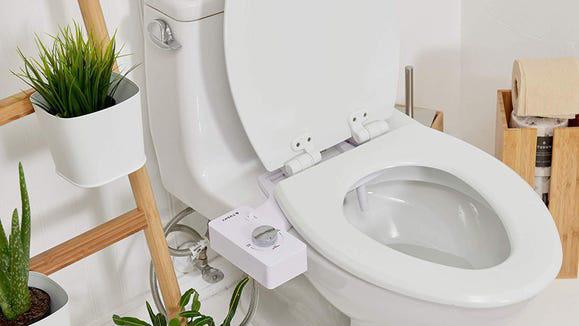 Giấy vệ sinh khan hiếm, doanh thu vòi xịt thông minh tăng vọt - Ảnh 5.