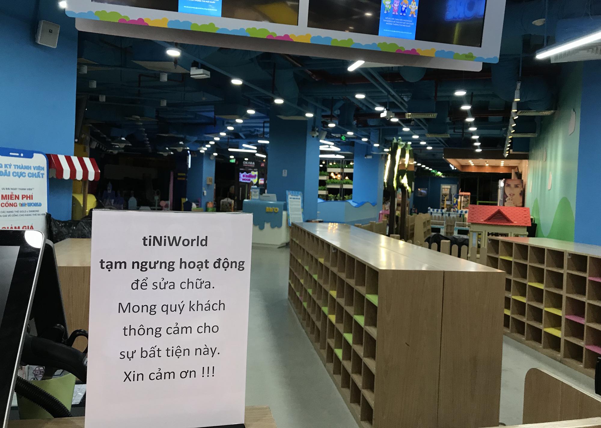 Cuối tuần, Vincom Đồng Khởi, Saigon Centre, Takashimaya vắng tanh vì nỗi lo dịch Covid-19 - Ảnh 7.