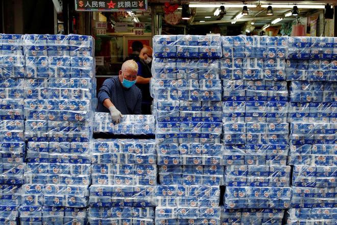 Giấy vệ sinh khan hiếm, doanh thu vòi xịt thông minh tăng vọt - Ảnh 6.
