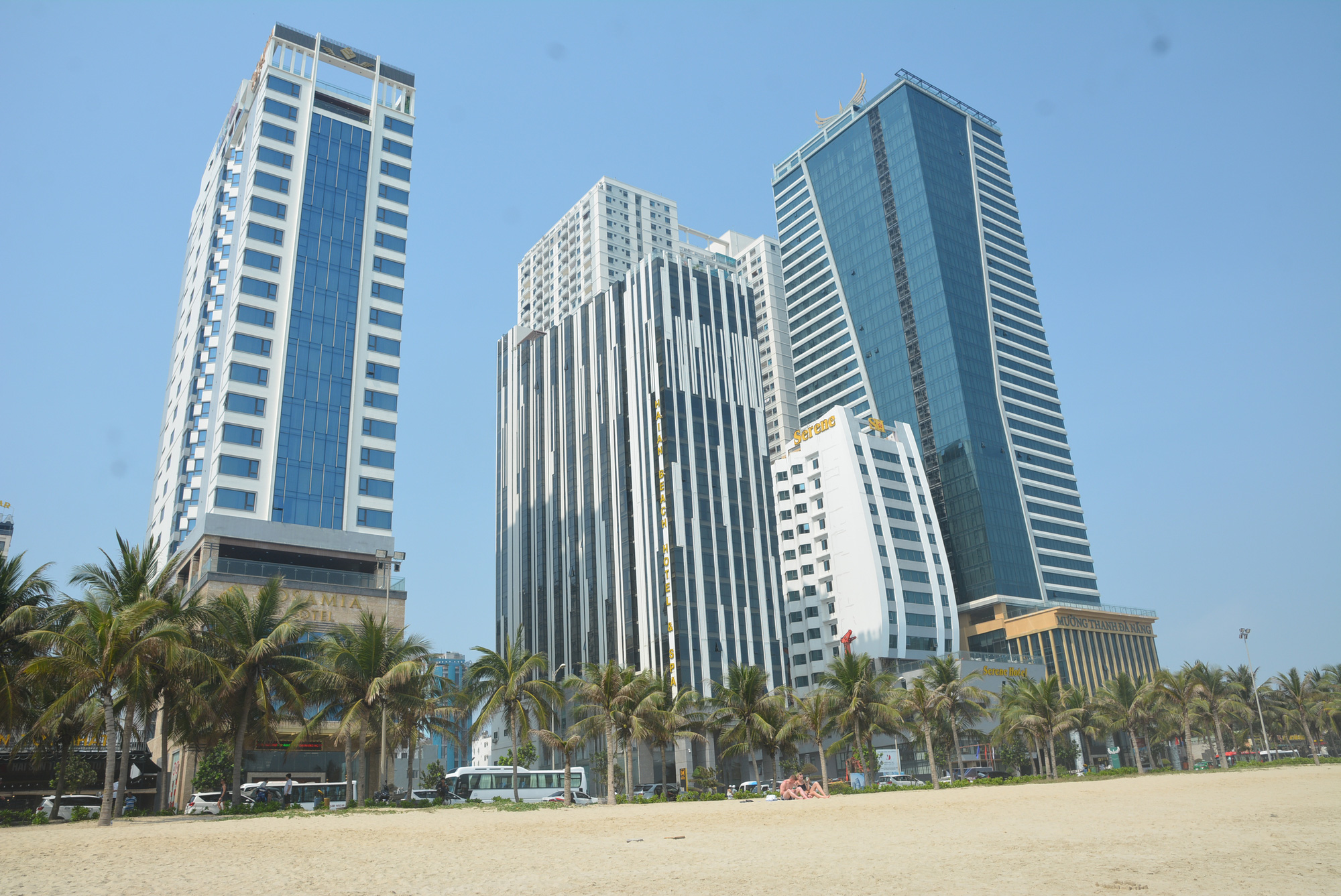 Cơ sở lưu trú ở Huế, Đà Nẵng và Quảng Nam tạm dừng đón khách - Ảnh 1.