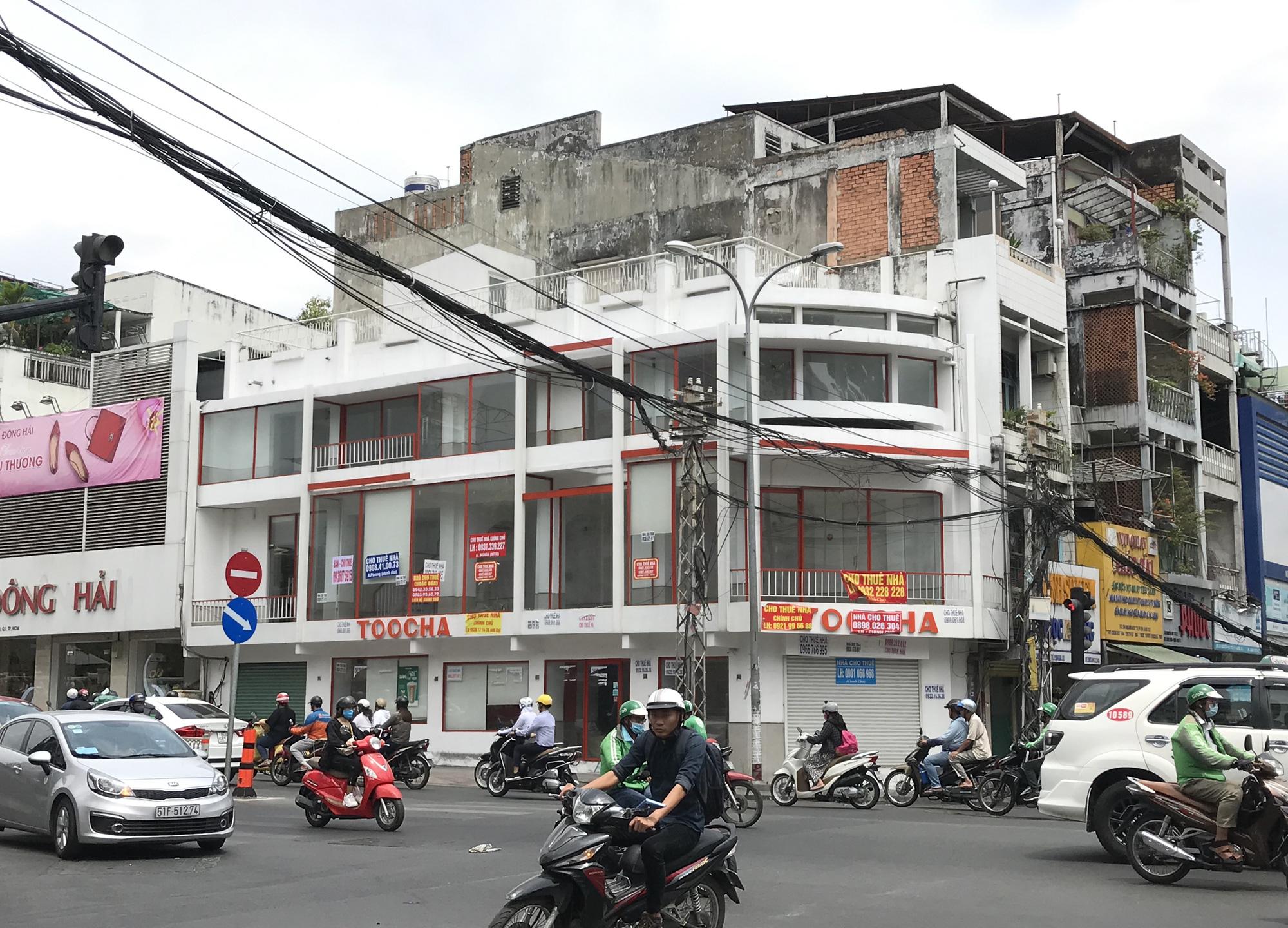 Hình ảnh loạt cửa hàng Toocha, sữa đậu nành Mr Bean của Shark Thủy, thậm chí 7-Eleven cũng đóng cửa vì Covid-19 - Ảnh 7.