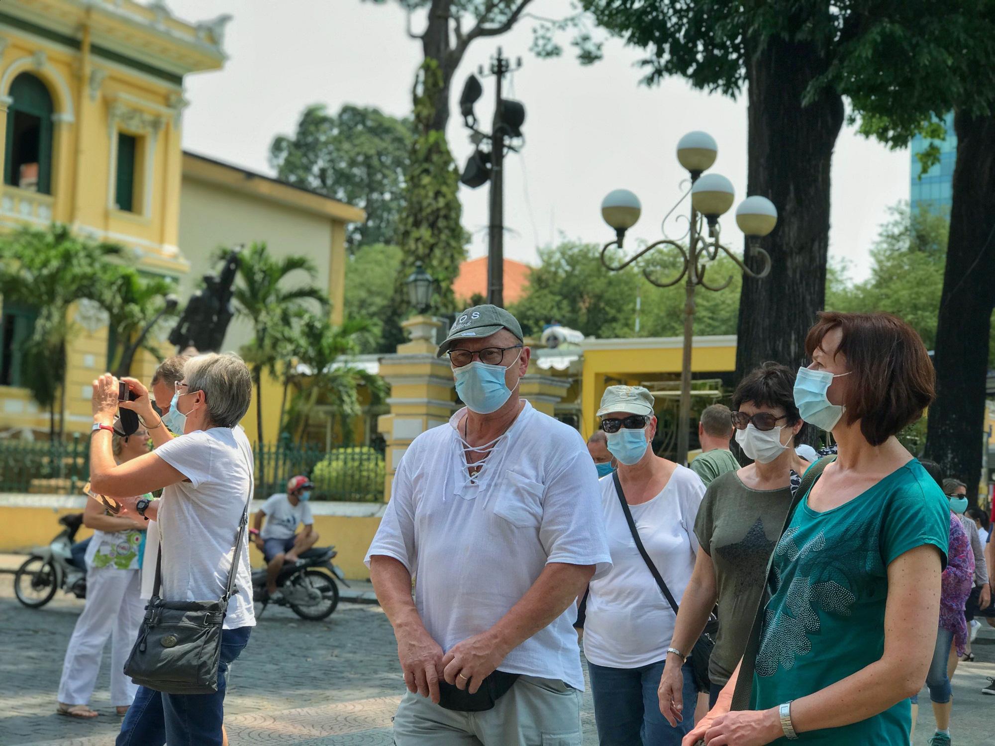 Các điểm du lịch tại TP.HCM vắng hoàn toàn sau quyết định dừng nhập cảnh người nước ngoài vào Việt Nam - Ảnh 3.