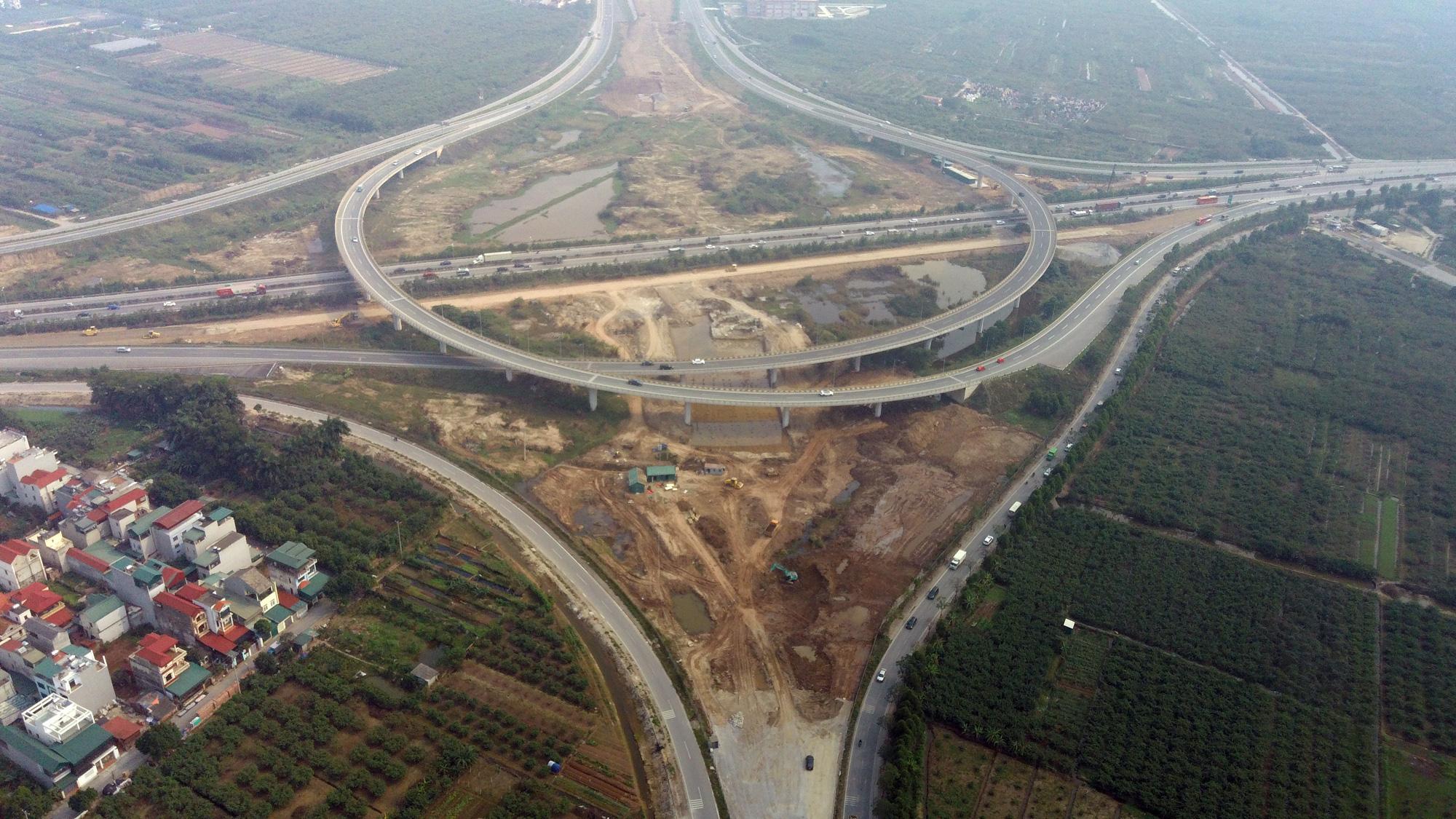 Rào Vành đai 3 hơn 7 tháng phục vụ thi công nút giao với cao tốc Hà Nội - Hải Phòng - Ảnh 1.