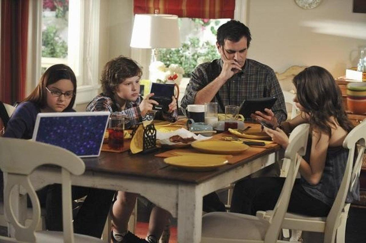 Làm việc tại nhà trong mùa dịch Covid-19: 4 nguyên tắc cần biết để không mất hình ảnh trong mắt đồng nghiệp - Ảnh 1.