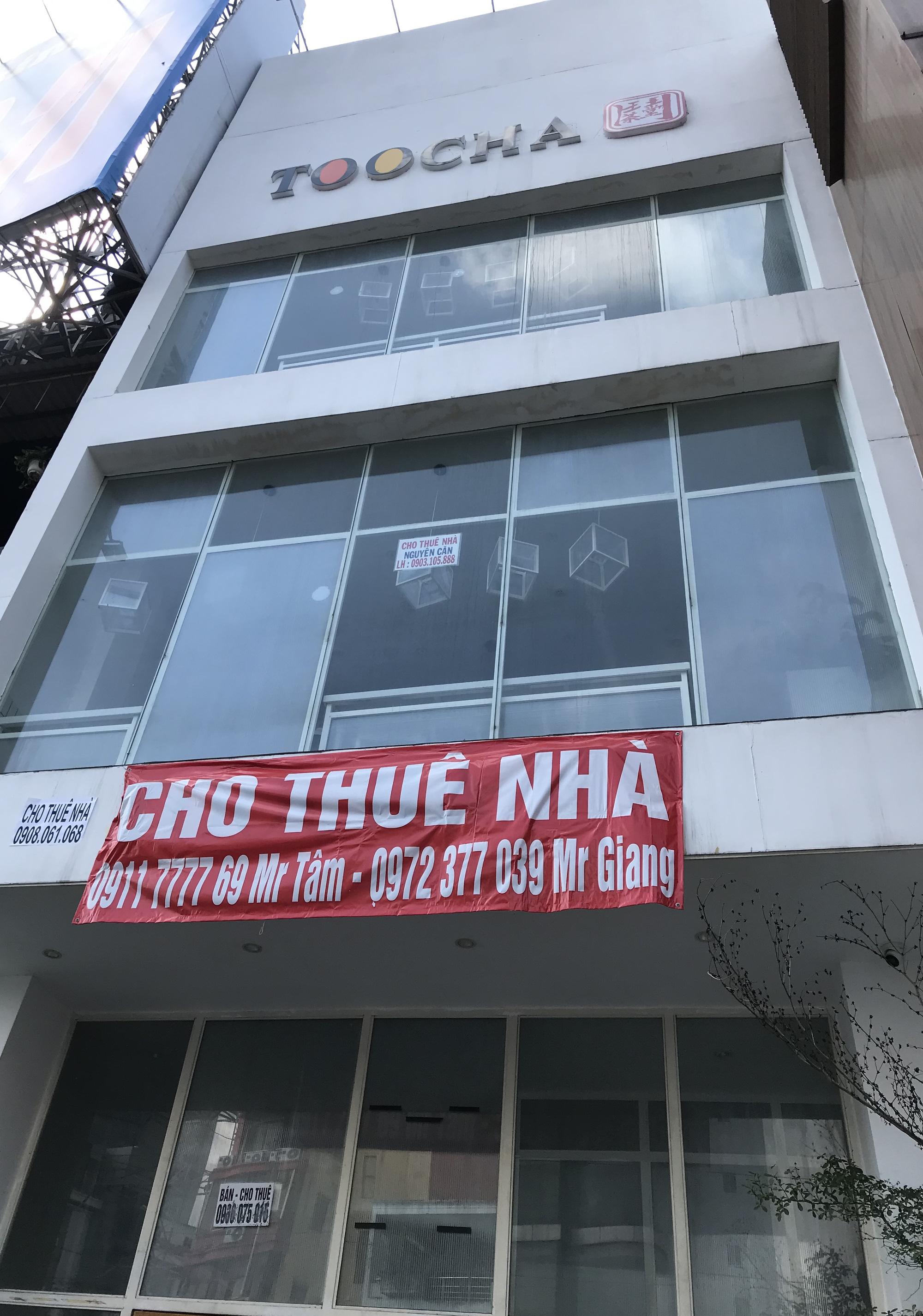 Hình ảnh loạt cửa hàng Toocha, sữa đậu nành Mr Bean của Shark Thủy, thậm chí 7-Eleven cũng đóng cửa vì Covid-19 - Ảnh 5.