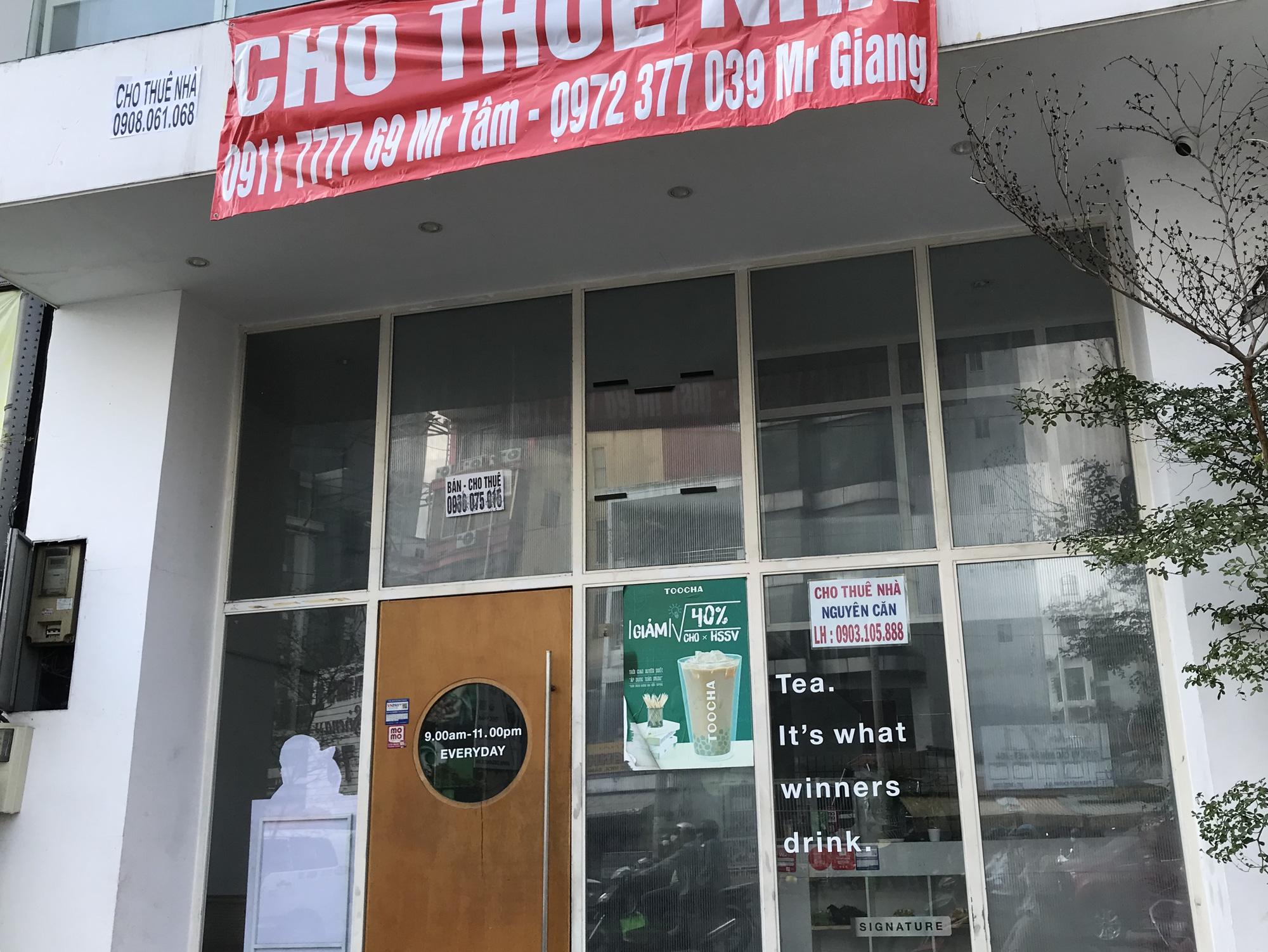 Hình ảnh loạt cửa hàng Toocha, sữa đậu nành Mr Bean của Shark Thủy, thậm chí 7-Eleven cũng đóng cửa vì Covid-19 - Ảnh 6.