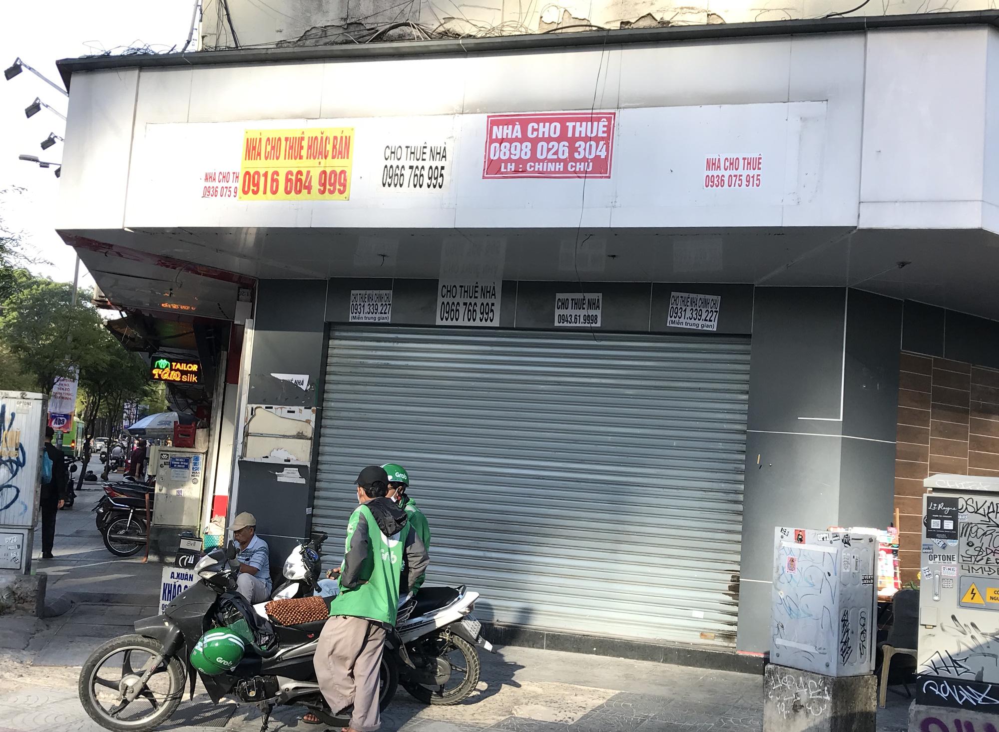 Hình ảnh loạt cửa hàng Toocha, sữa đậu nành Mr Bean của Shark Thủy, thậm chí 7-Eleven cũng đóng cửa vì Covid-19 - Ảnh 15.