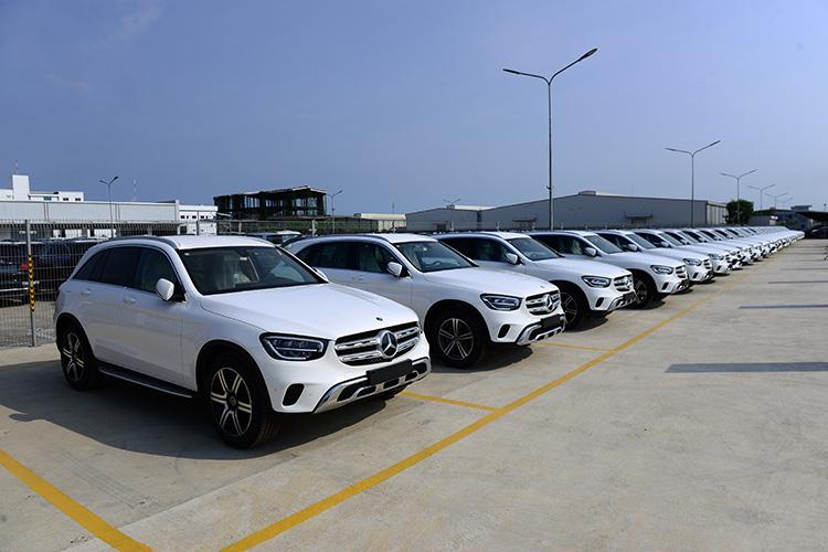 Cuộc đấu xe sang ở Việt Nam - Mercedes và phần còn lại - Ảnh 2.