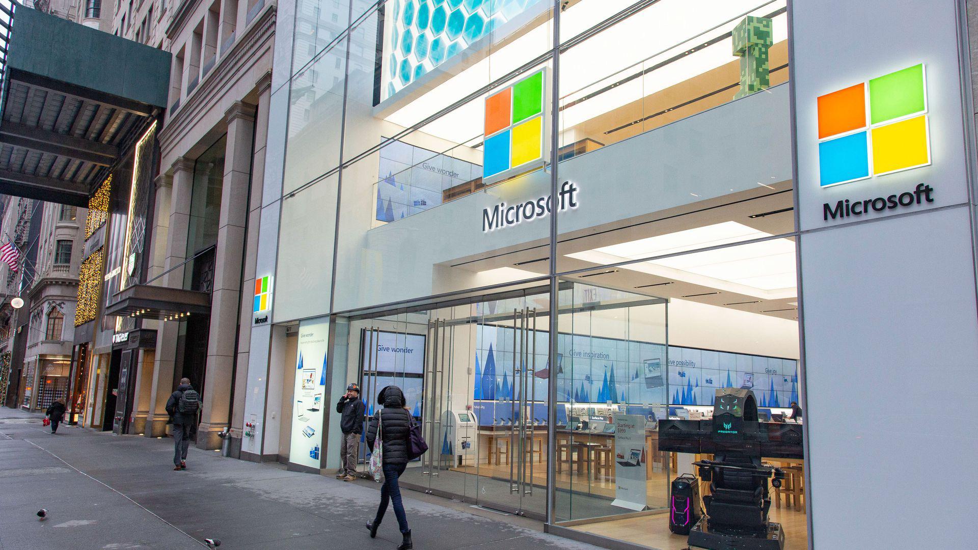 E ngại trước đại dịch Covid-19, Microsoft đóng cửa toàn bộ hệ thống bán lẻ - Ảnh 3.