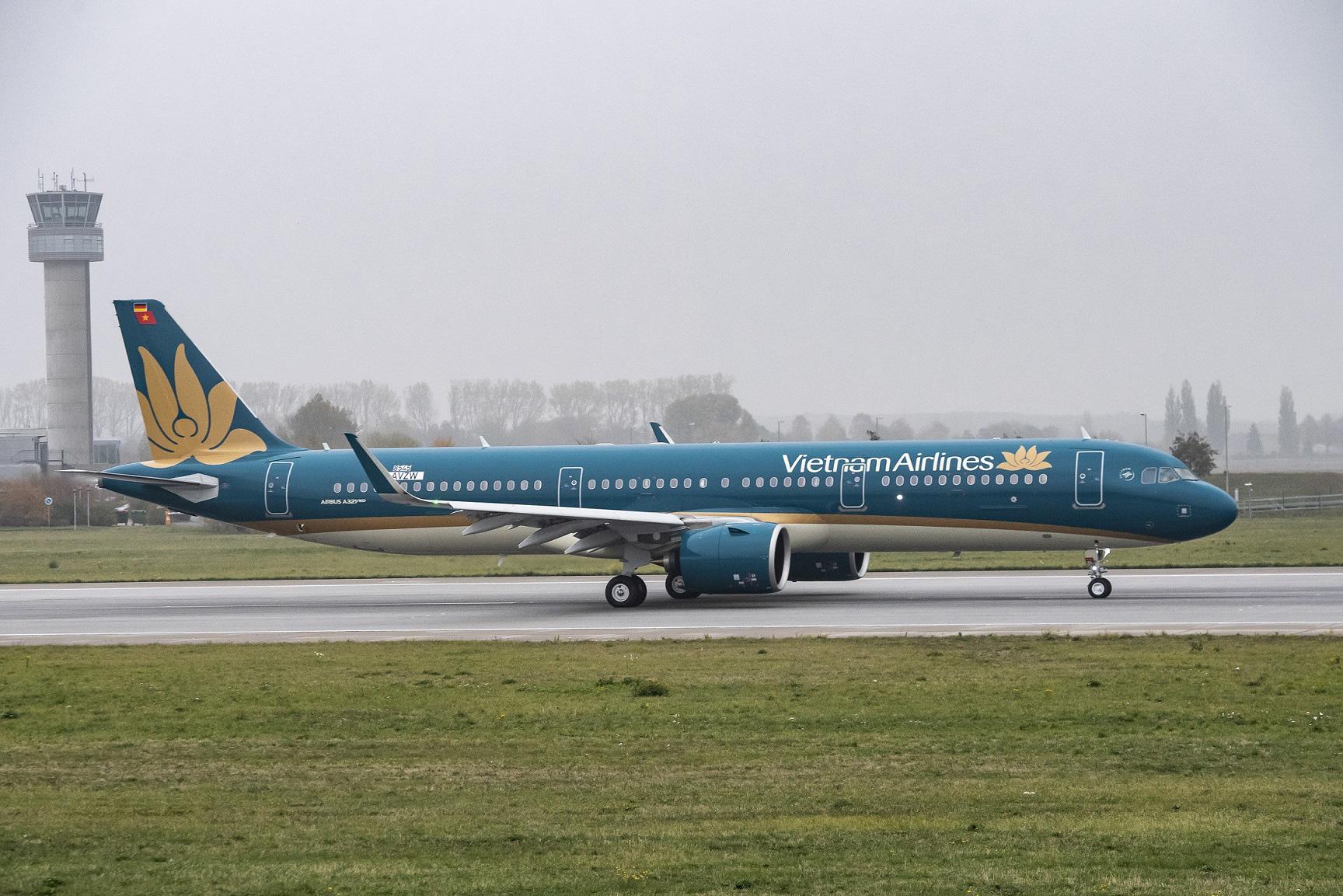 Vietnam Airlines dừng bay tới Nga và Đài Loan vì dịch Covid-19 diễn biến phức tạp - Ảnh 1.