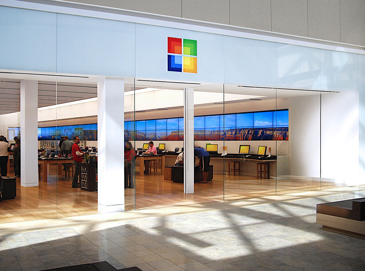 E ngại trước đại dịch Covid-19, Microsoft đóng cửa toàn bộ hệ thống bán lẻ - Ảnh 1.