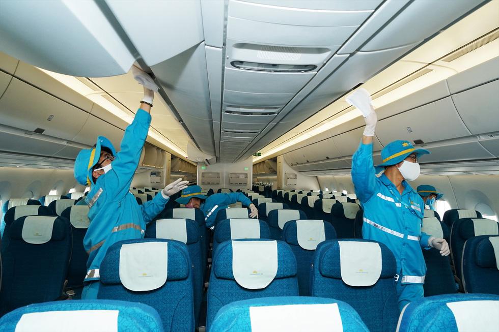 Các hãng hàng không Việt dừng bay quốc tế vì dịch Covid-19 - Ảnh 2.